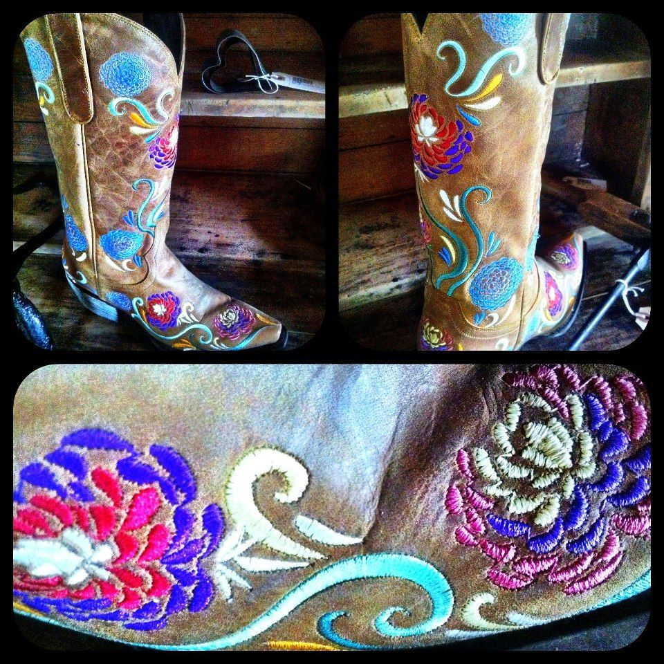 Lane Cowgirl Boots at RiverTrail in North Carolina. Narissa LB0075A. #flowers #cowgirlboots #laneboots