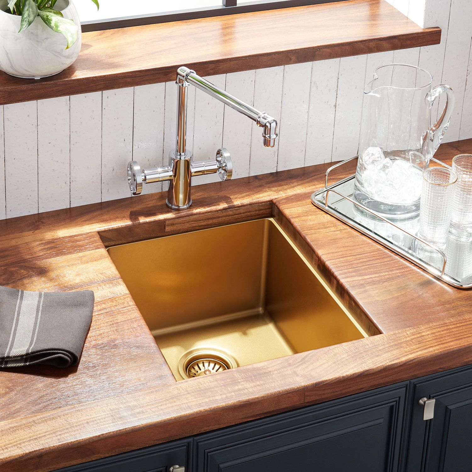 36 Atlas Stainless Steel Farmhouse Sink Curved Apron Matte
