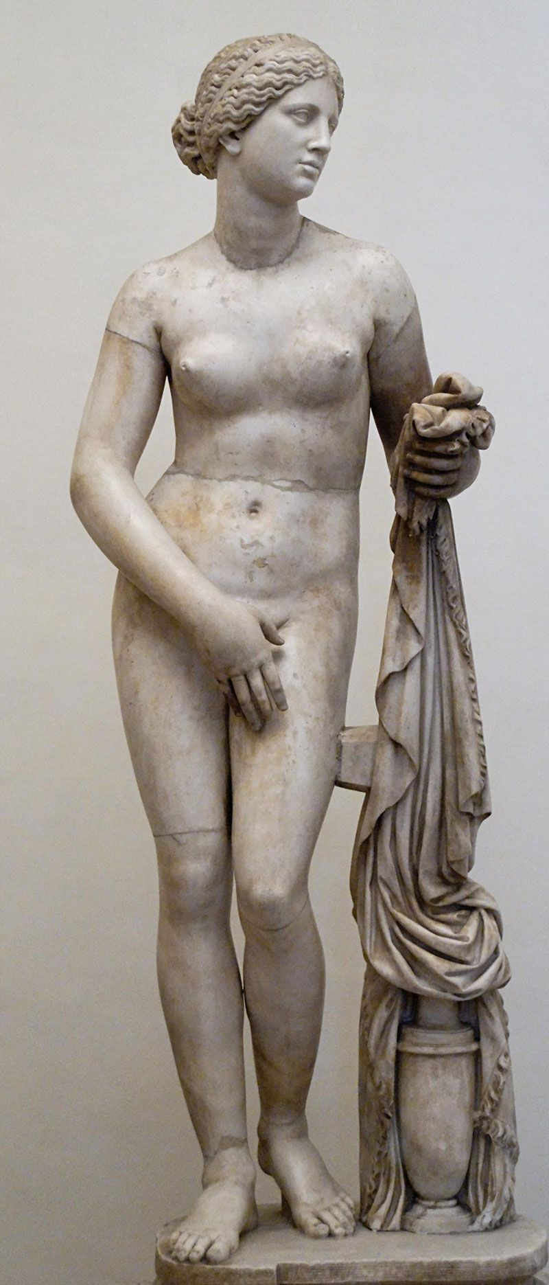 Aphrodite of knidos modeled after phryne