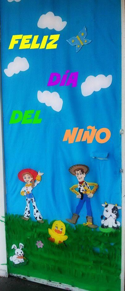 Puerta de toy story del d a del ni o puertas pre k y for Puertas decoradas para el dia del libro