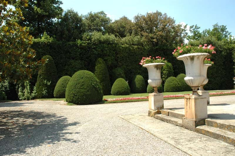 Frenchgardendesign inheritor of the traditional french and frenchgardendesign inheritor of the traditional french and italian garden design sisterspd