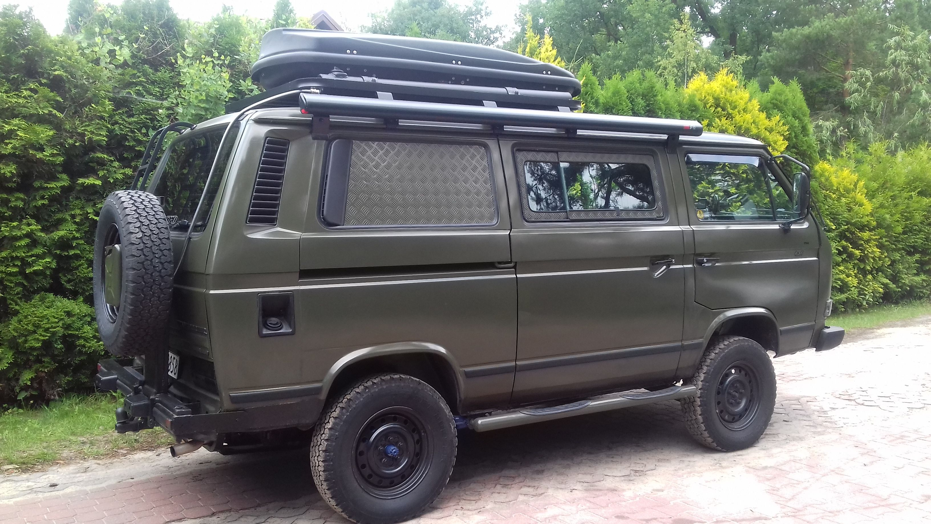 List of Synonyms and Antonyms of the Word: syncro camper