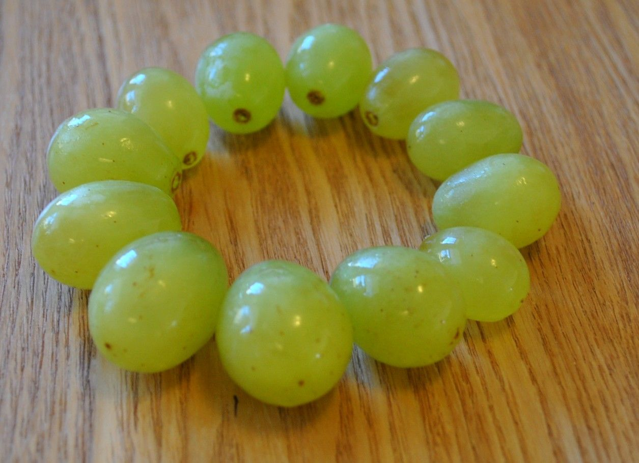 New Years Eve Eat 12 grapes at midnight! Cuban recipes