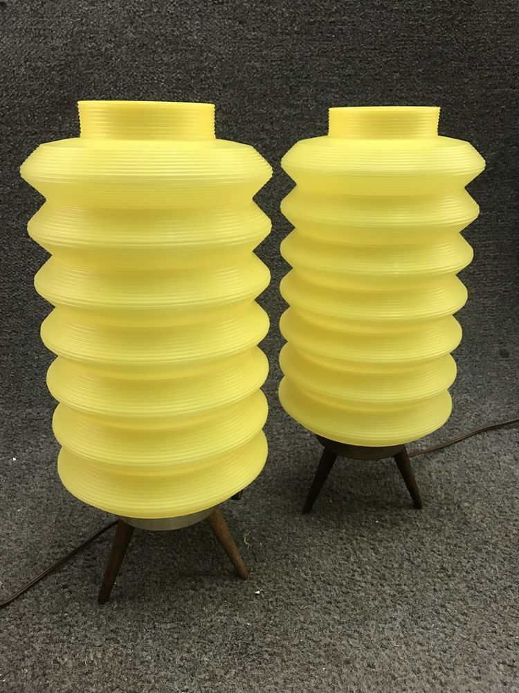 Mid Century Atomic Beehive Accordion Tripod Table Lamps in Yellow - 15