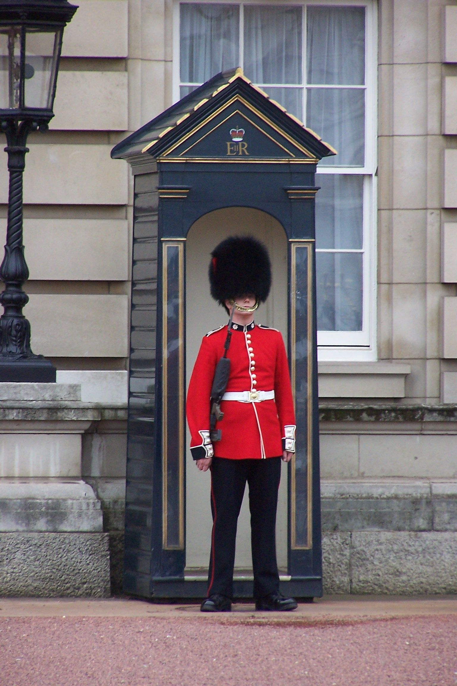 Take a Picture with a Royal Guard in London Britain