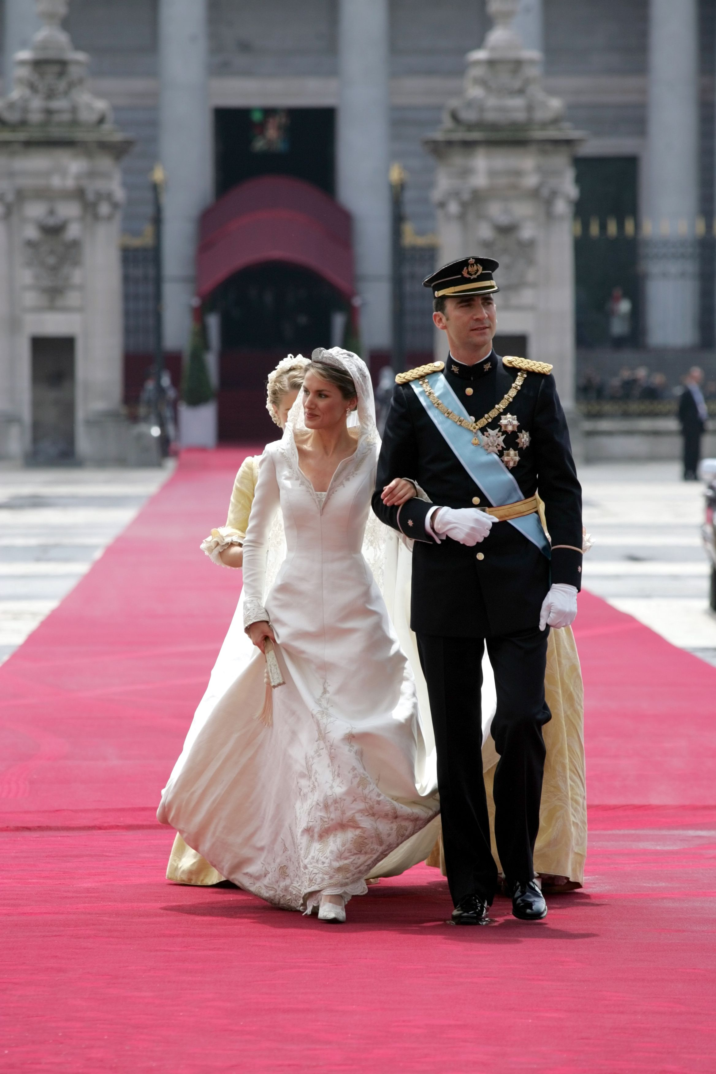 Pin by Kö ln on Letizia  Royal brides, Royal wedding gowns, Royal