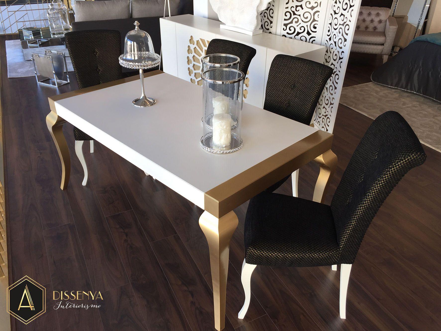 #mesa en la exposición de Adissenya https://es.pinterest.com/adissenya/