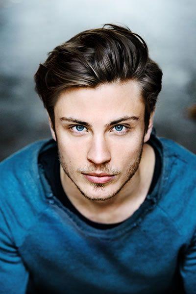 Jannik Schümann   Celebrities male, Cute actors, Beautiful men