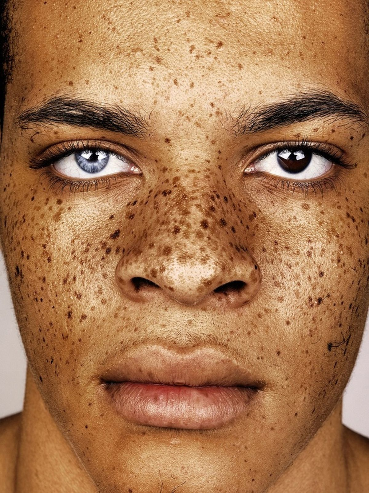 Seth Treston Minimalist connecting the dots and finding beauty in freckles | face, eye