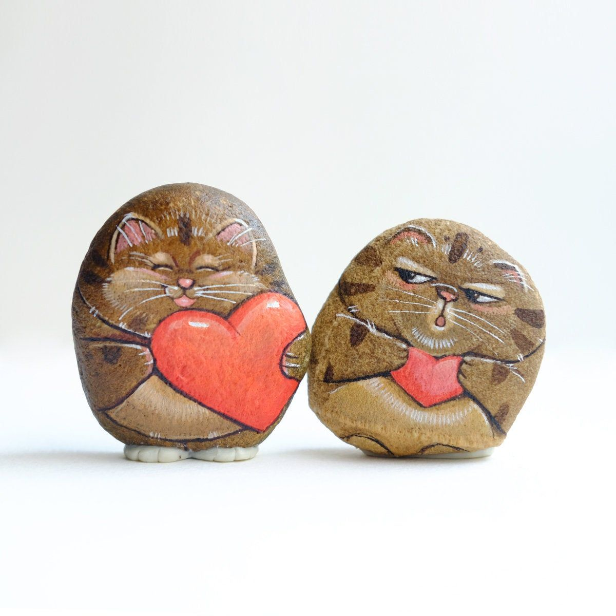 Cat Couple Stone Painting Stone Art Paint By Acrylic Colour Unique Original Art In 2020 Clay Art Projects Stone Art Stone Painting