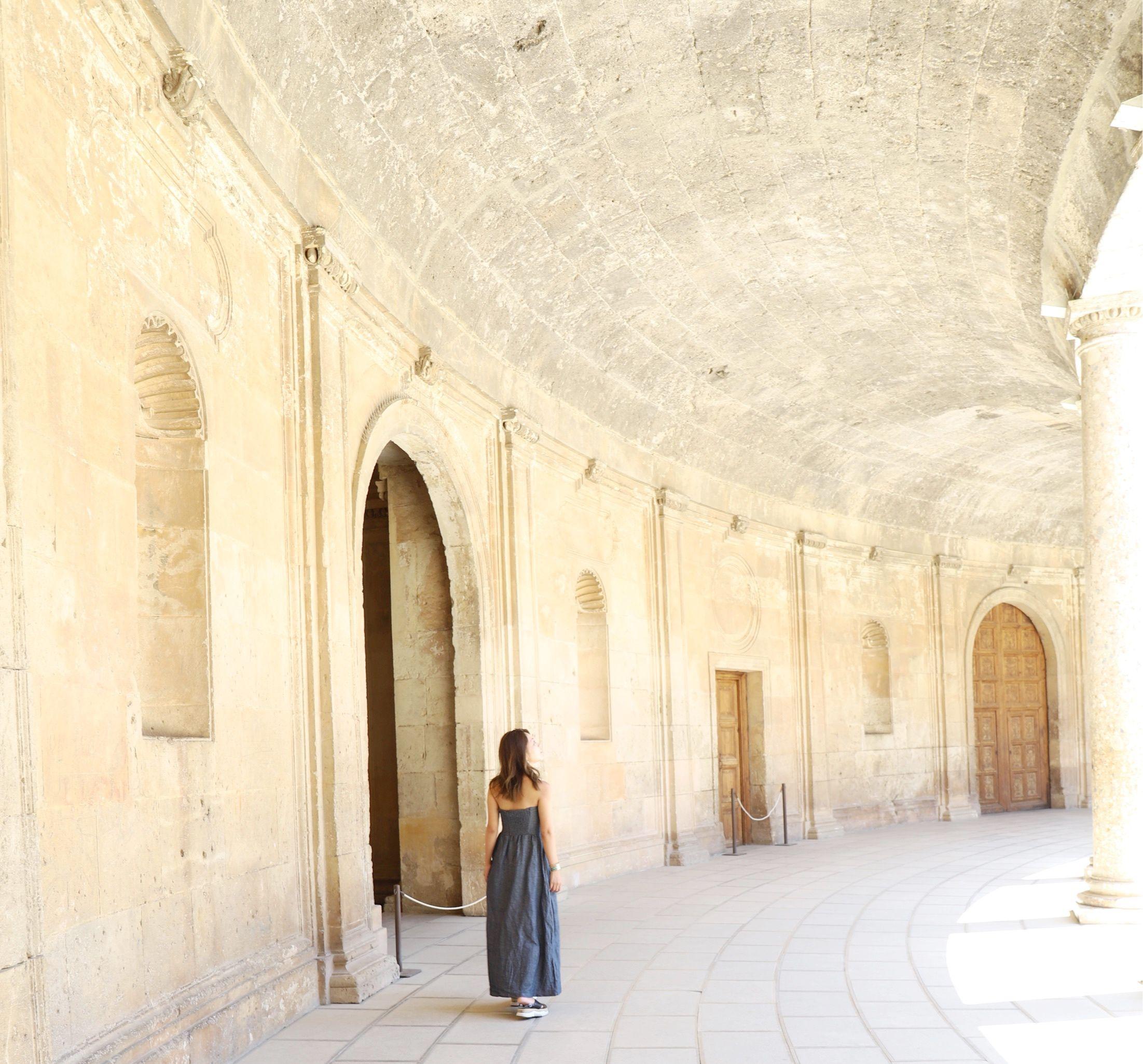 スペイン・グラナダ】世界遺産「アルハンブラ宮殿」でイスラム文化を ...