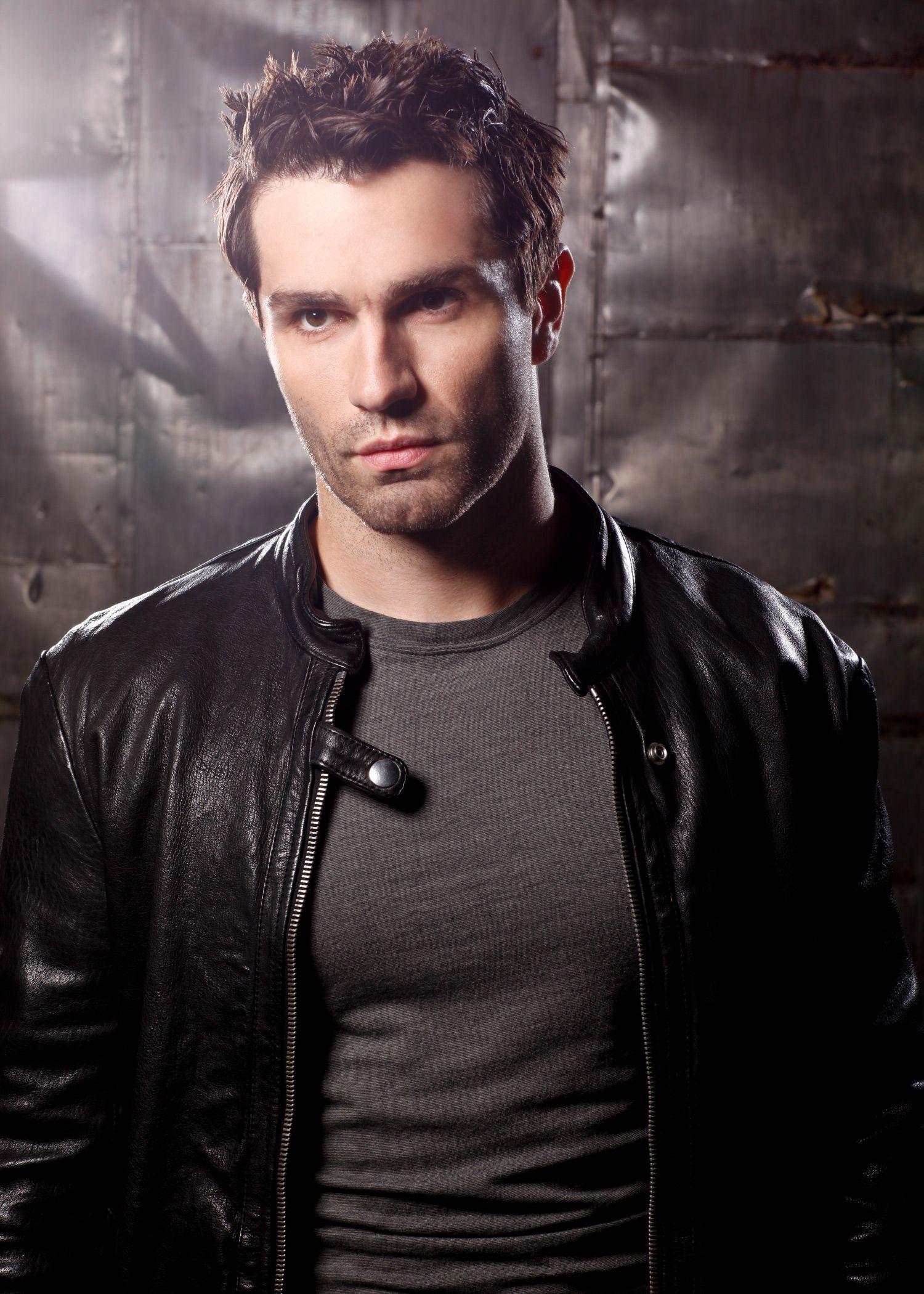 Sam Witwer handsome hot sexy celebrity hunk Scruffy