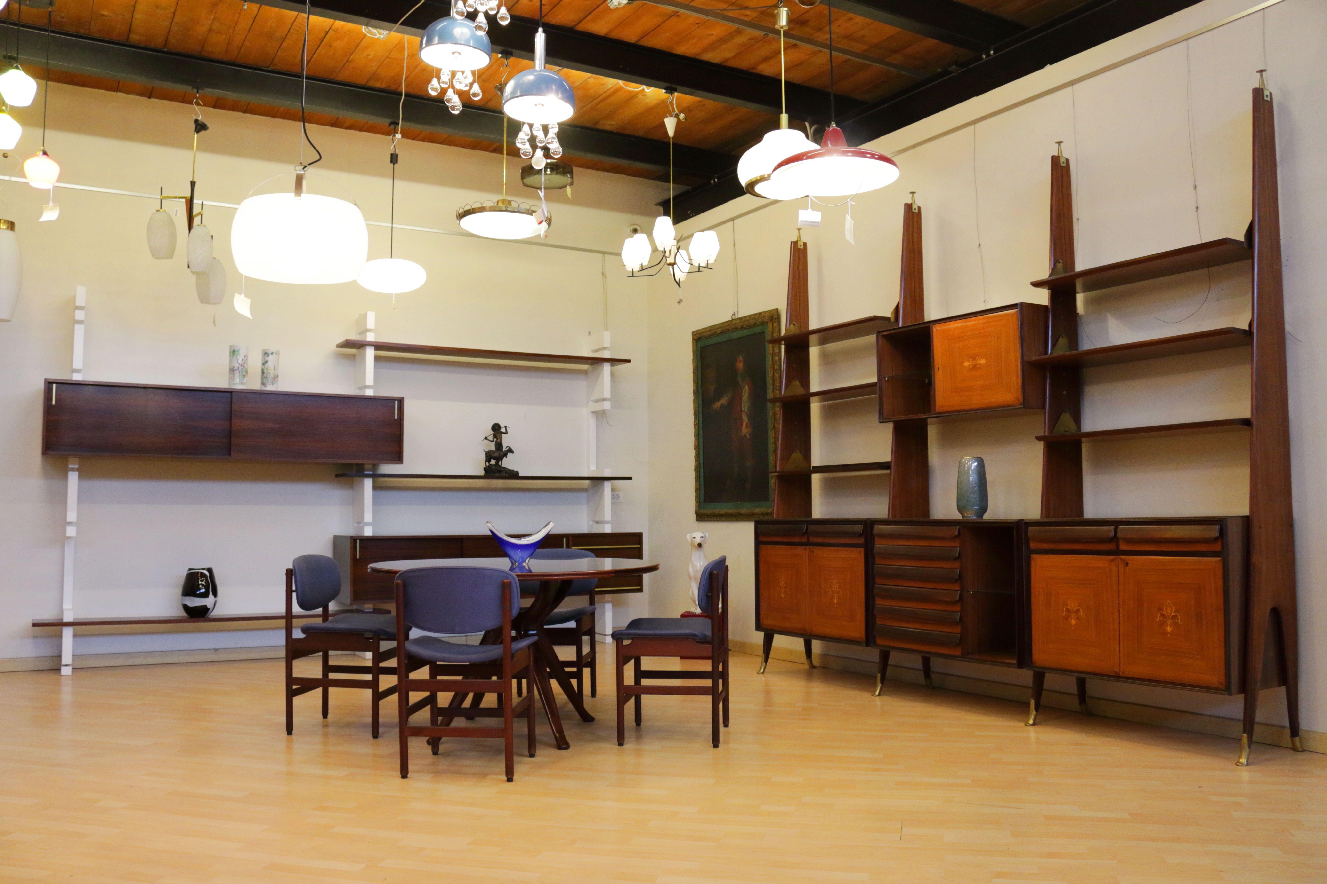 Tavolo E Sedie Anni 70.Ispirazione Di Home Design Con Libreria Amma Anni 70 A Sinistra
