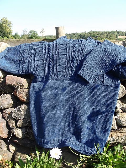 knitted in one piece. navy large beautiful jumper. whitby Gansey .Mens traditional gansey Knitted in pure new wool