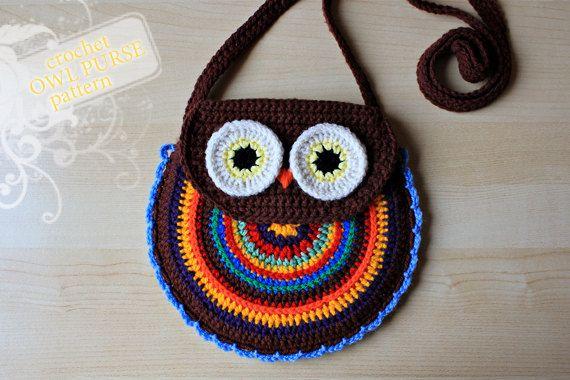 crochet purse ... owl shape ... bright colors from Receitas de Crochet: Corujas de crochet