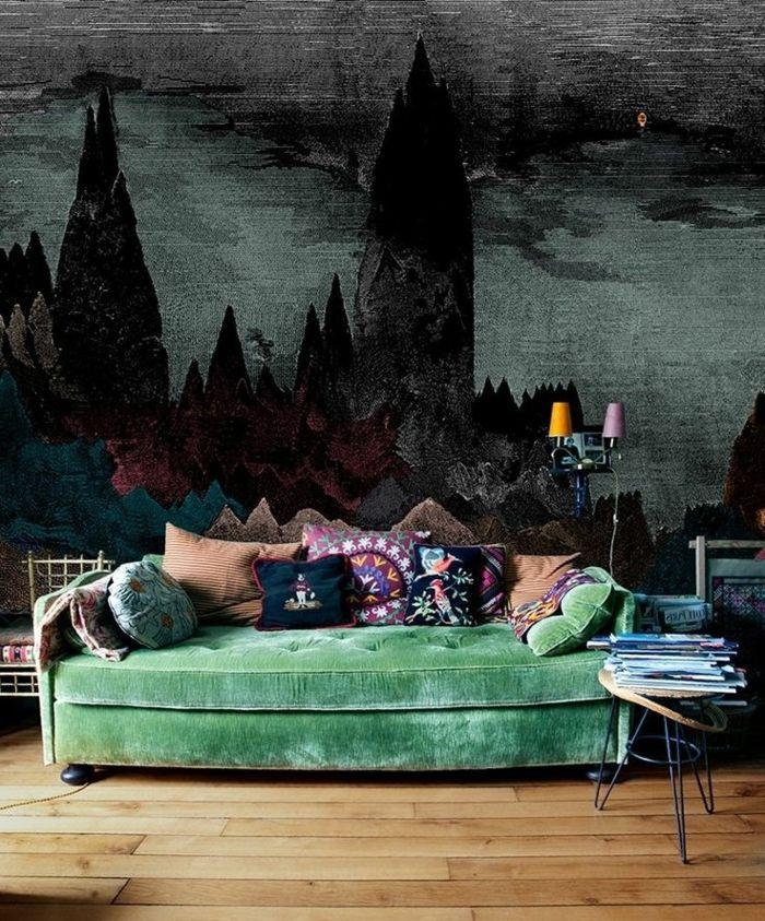 wandgestaltung wohnzimmer wandmalerei grünes sofa beistelltisch - wandgestaltung gothic