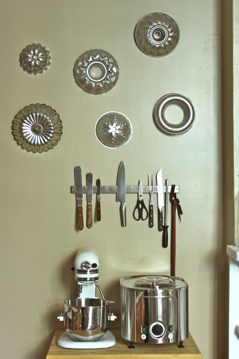 Vintage baking molds make fab wall art inspiring pinterest