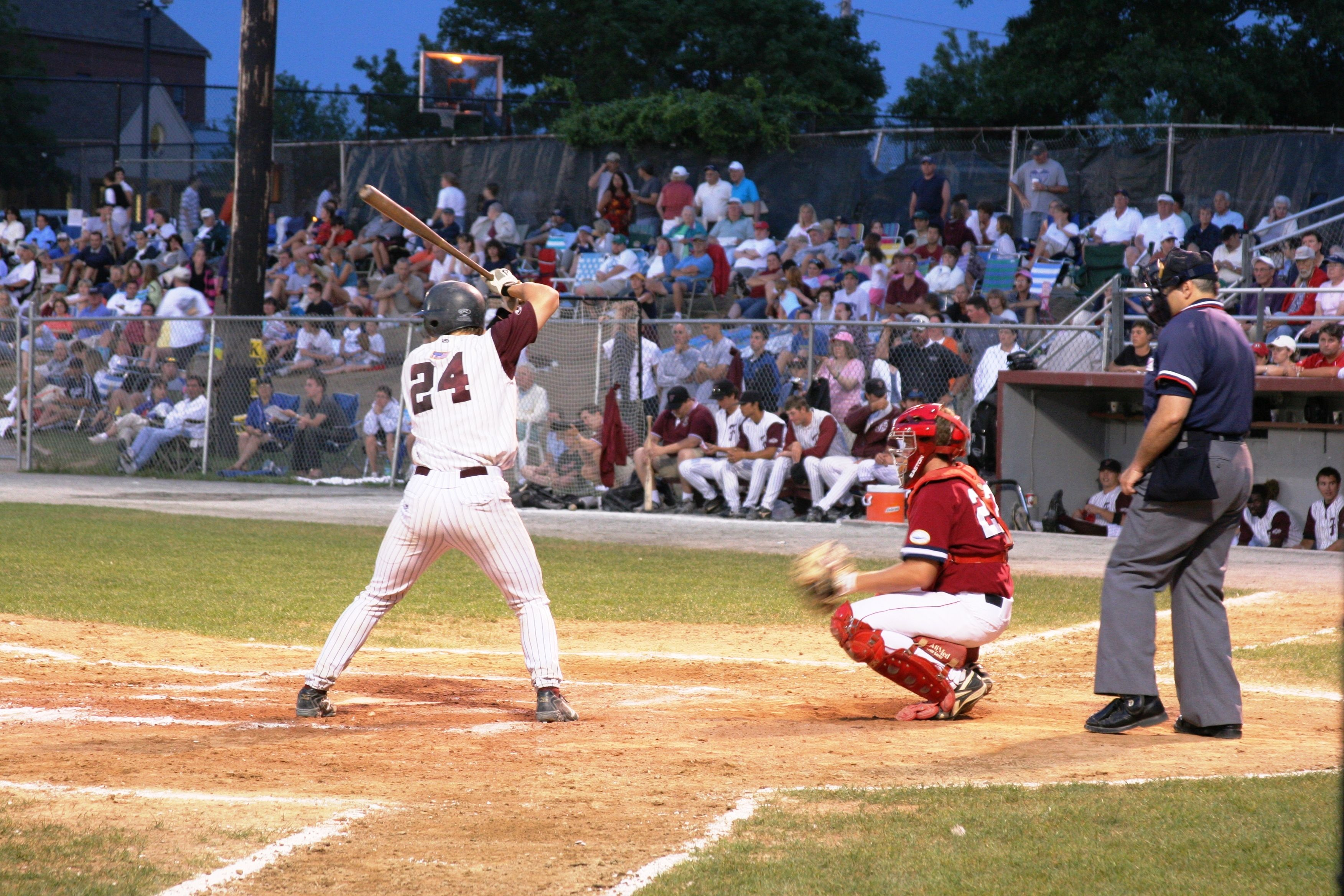 Cape Cod Baseball Summer League Games Splendidsummer New England Style Commodores Falmouth