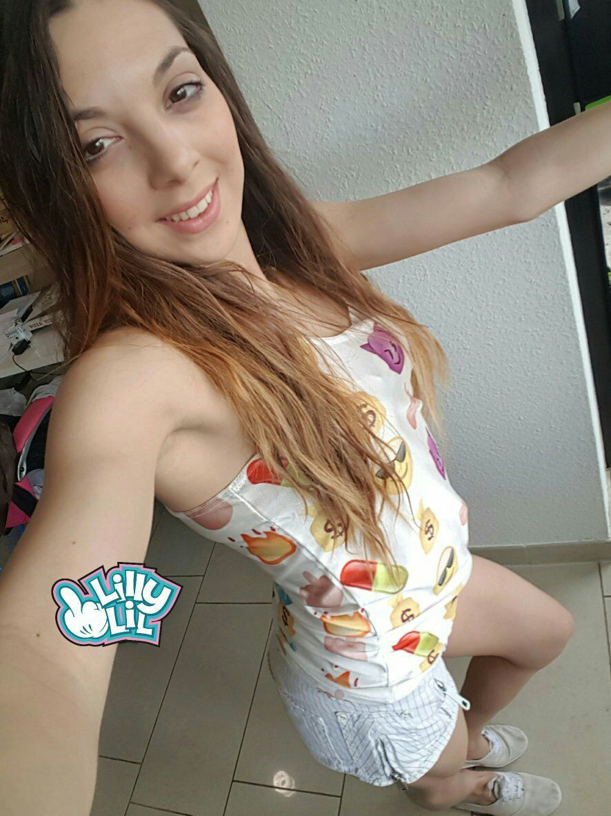 Was geht ab? #teen #smile #hotpants lilly-lil.rocks | Sexy ...