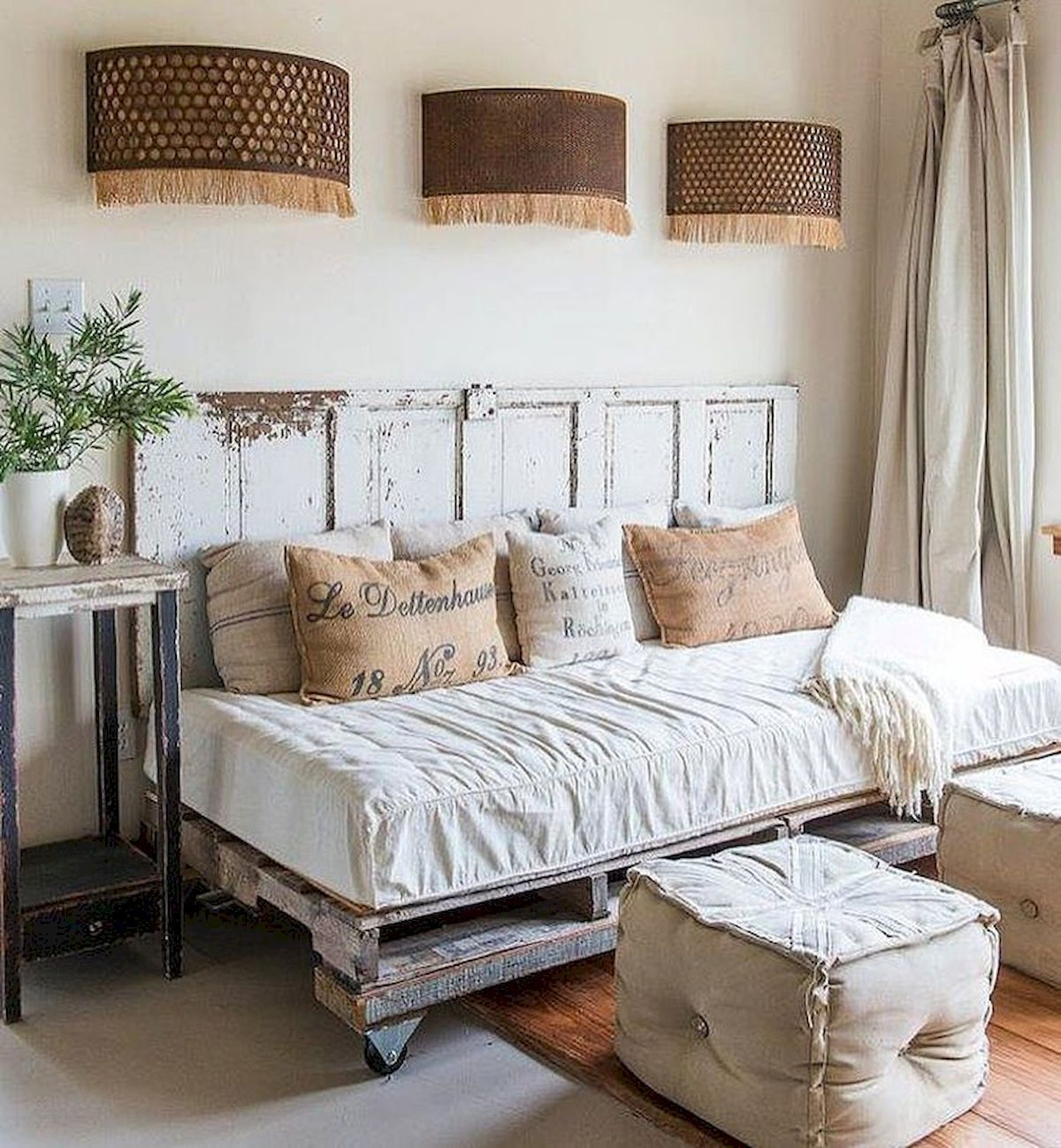 30 creative wooden pallets bed projects ideas (14 images
