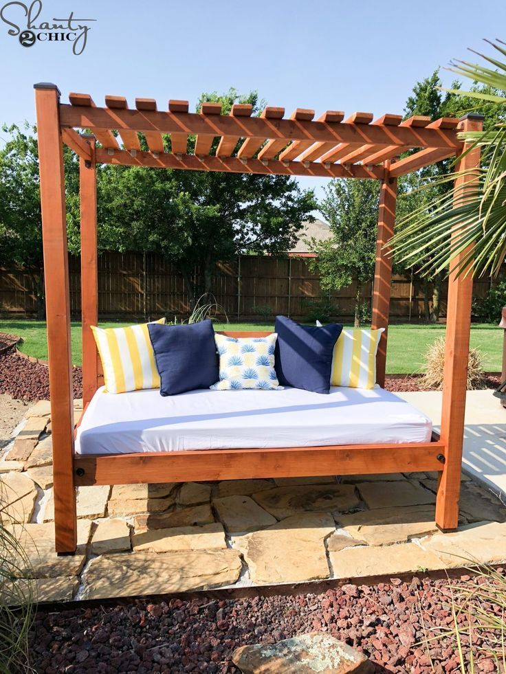 DIY Outdoor Day Bed (With images) Outdoor daybed diy