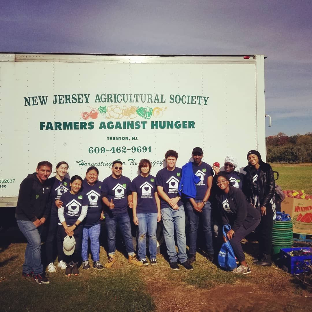 Good Down To The Core Thanks To These Wonderful Gleaners From Middlesex County College For Volunteering Their Time Thi Middlesex County Trenton Common Law