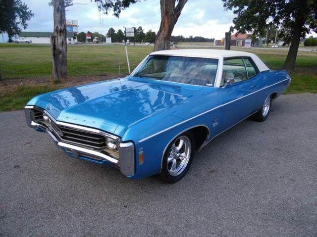 Seller of Classic Cars – 1969 Chevrolet Impala (Blue/White)