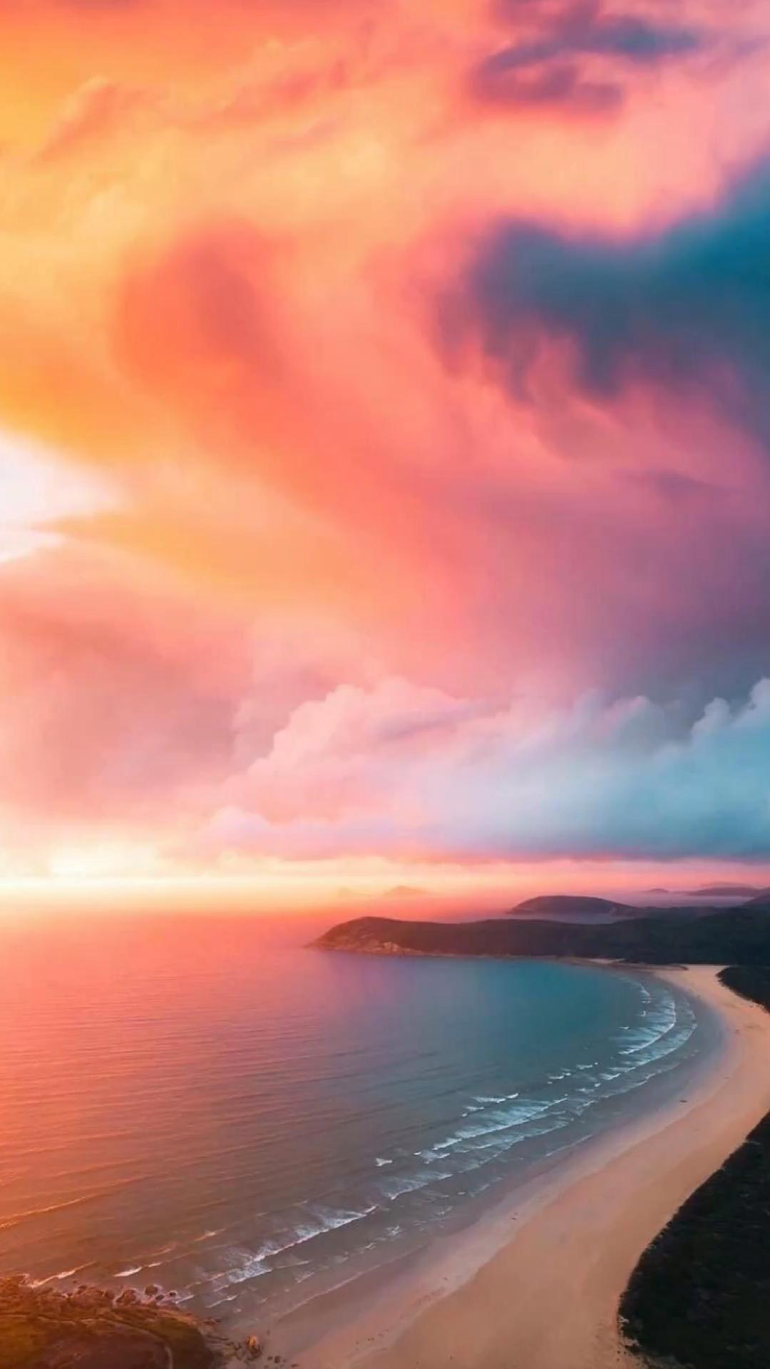 Australian sunset 📸 @tomnoske