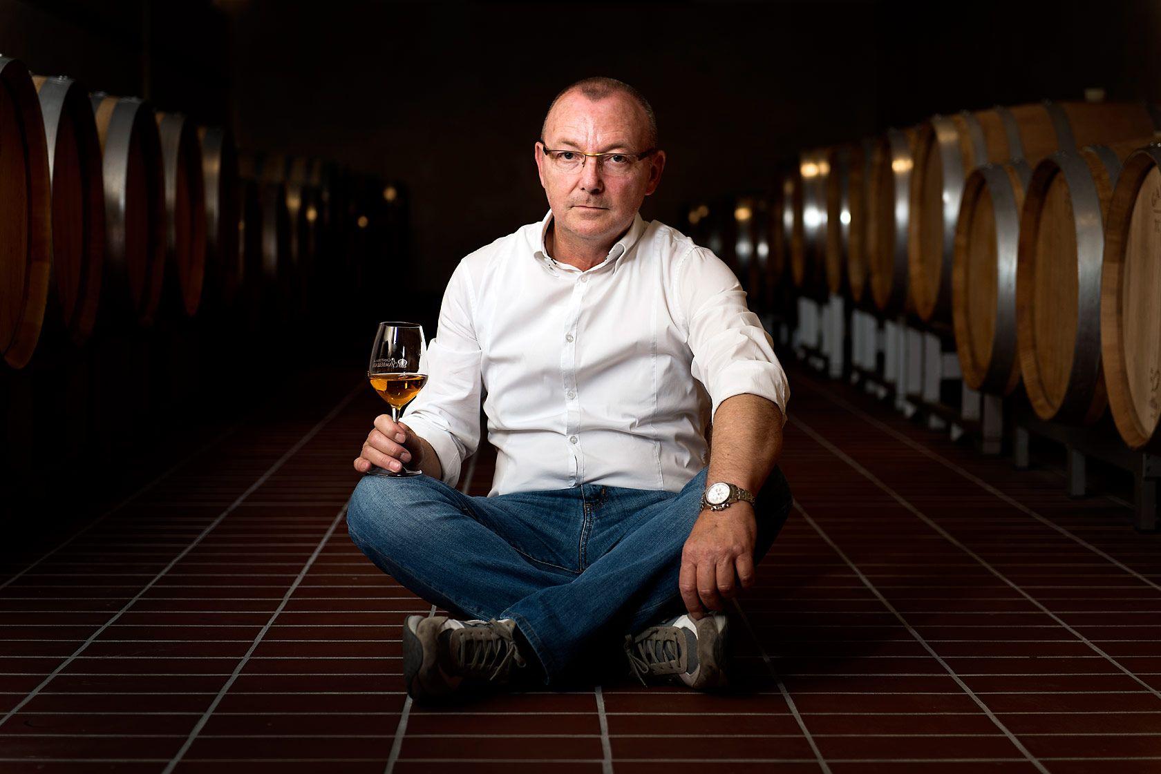 #chairman #wine #environement #posed #portrait #ritratto #ambientato #cantina #vinicola