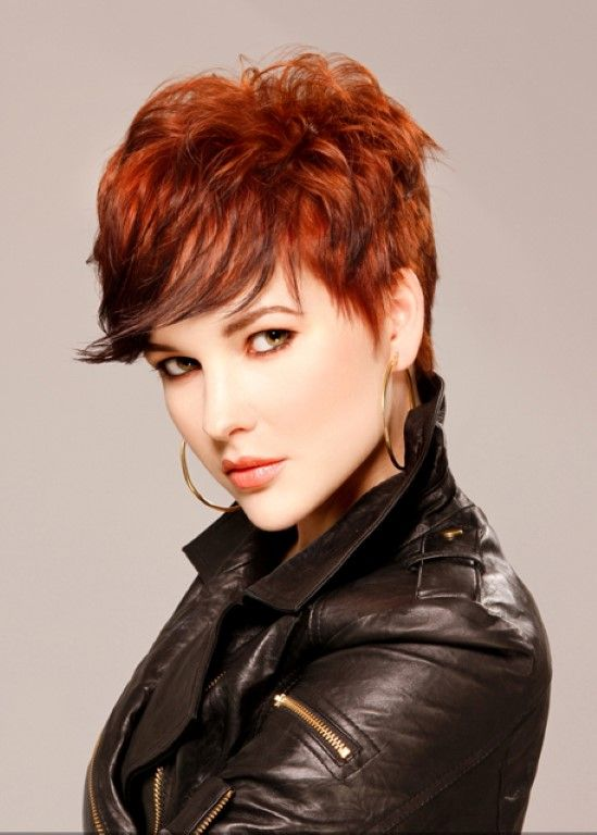 Tagli capelli corti ricci rossi