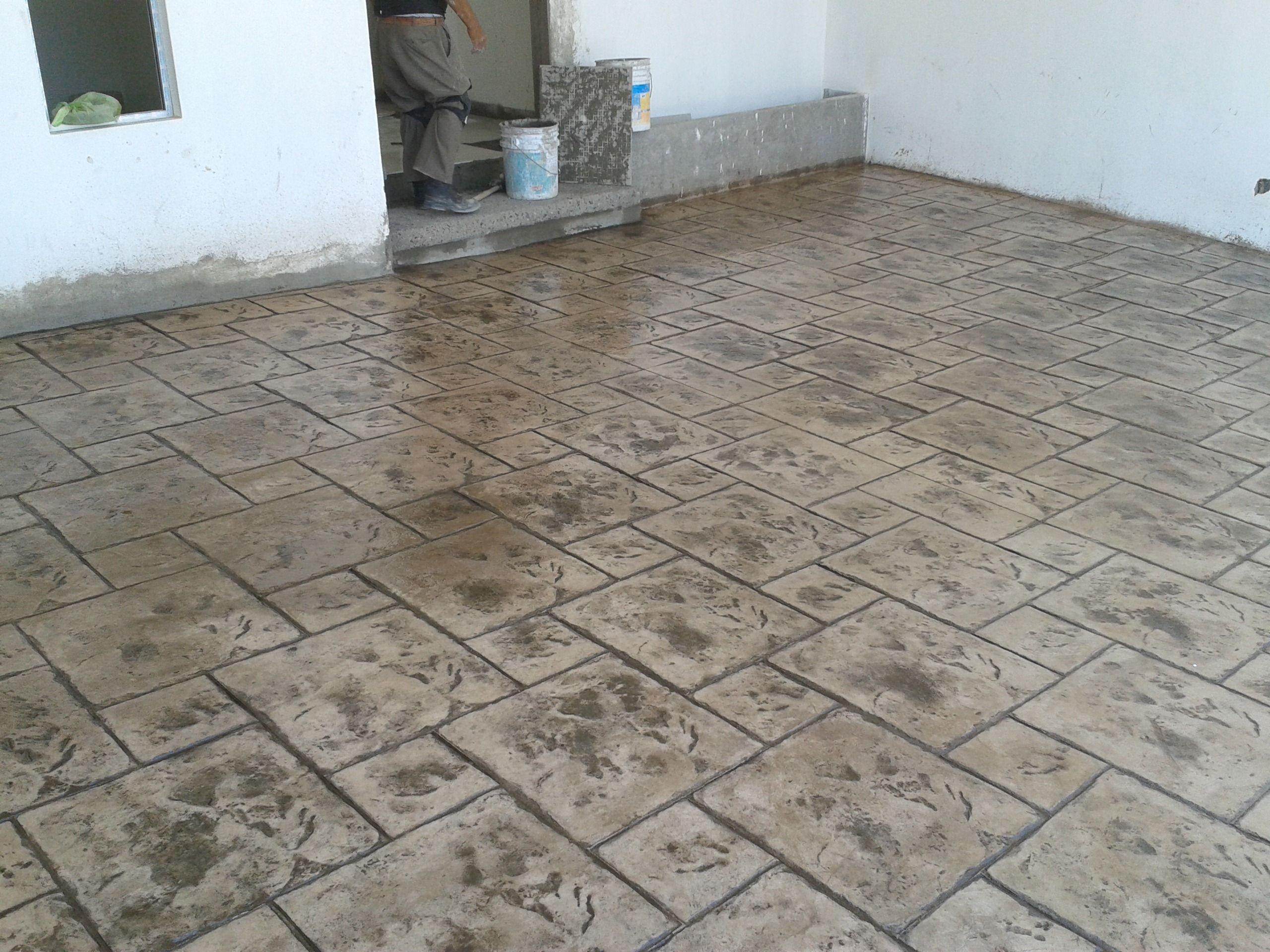 color hojarasca con desmoldante cafe | concreto estampado 3