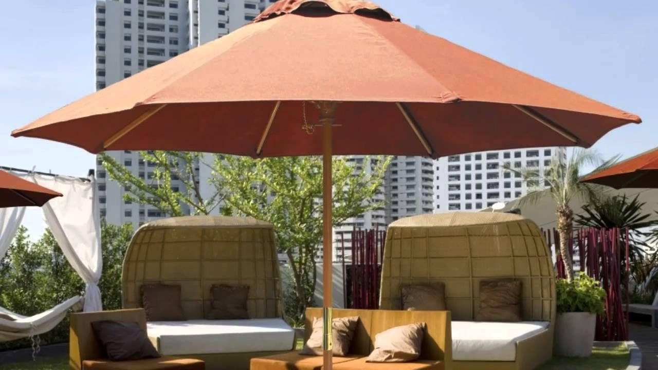 Consider A Fiberglass Design Instead Of Aluminum If You Live In A Windy Area Because Fiberglass Bends With The Wind Instead Of Breaking In 2020 Best Patio Umbrella Patio Umbrellas Patio