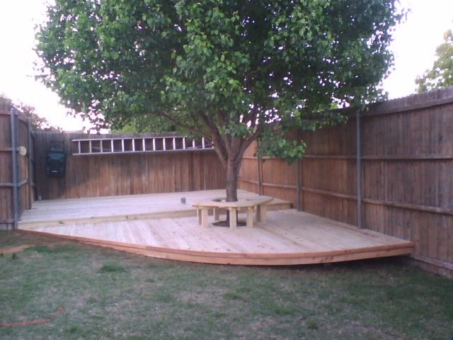 Simple deck platform for entertaining through the garden for Simple platform deck plans