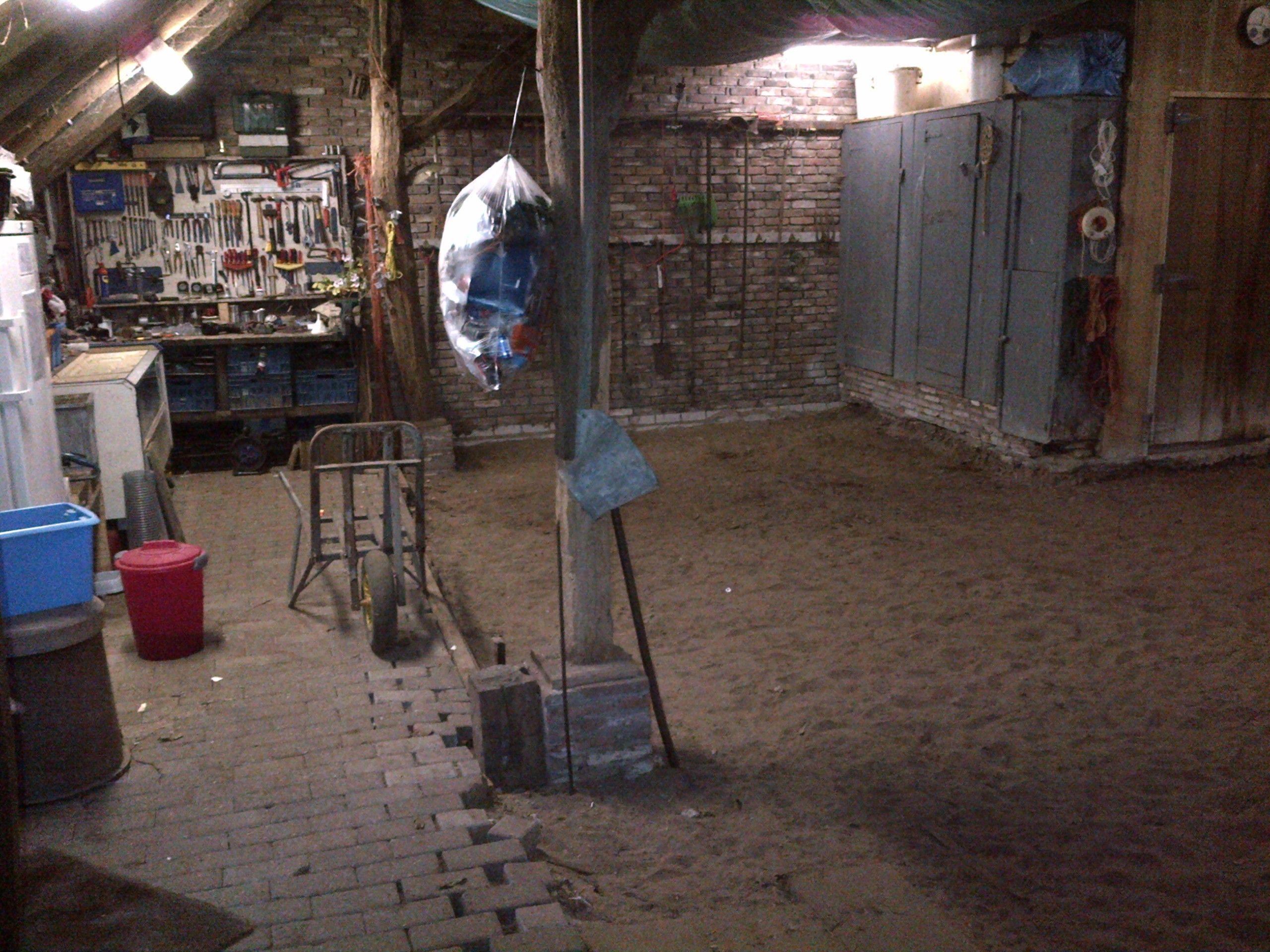 Boerenschuur nog met zand op de vloer projecten en kleine en