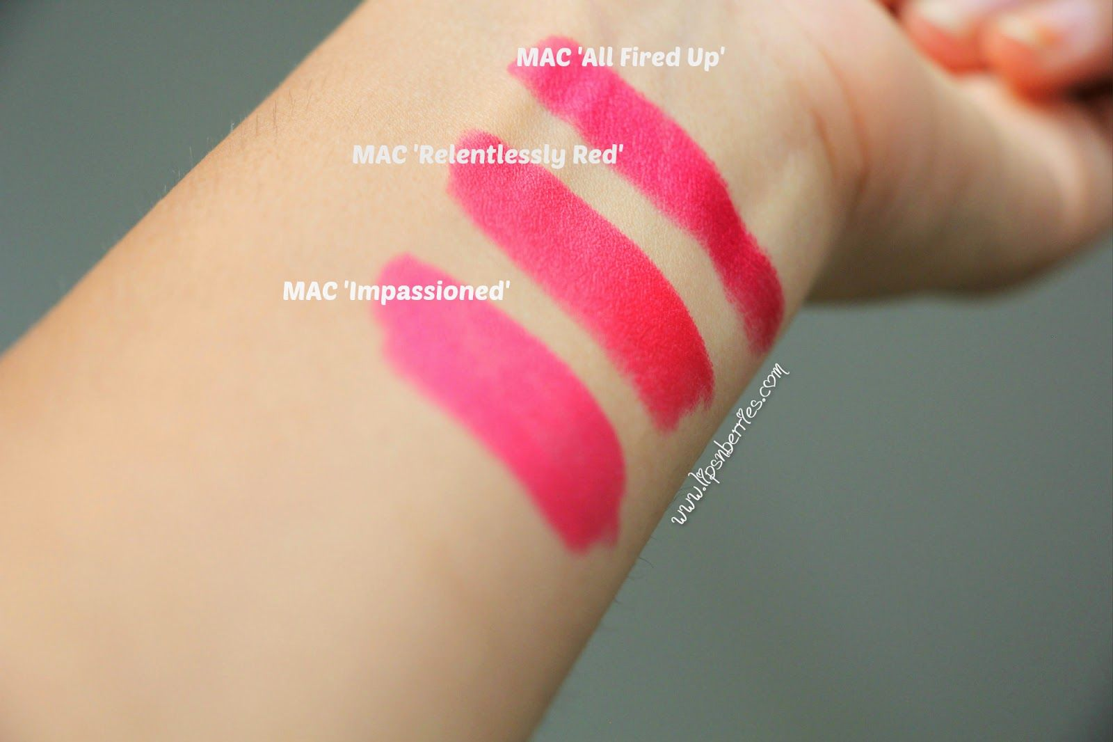 relentlessly red mac lipstick
