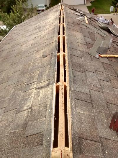 Diy Roof Shingle Maintenance And Roof Repair 4 Vancouver Edmonton Calgary Toronto Saskatoon Regina Winnipeg Roof Repair Diy Roof Maintenance Diy Roofing