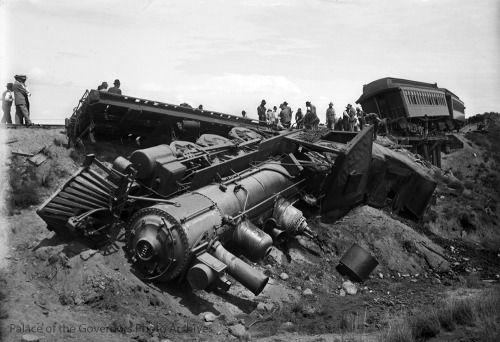 pogphotoarchives:  Train derailment at milepost 13 near Arroyo http://ift.tt/1L8Hyxz