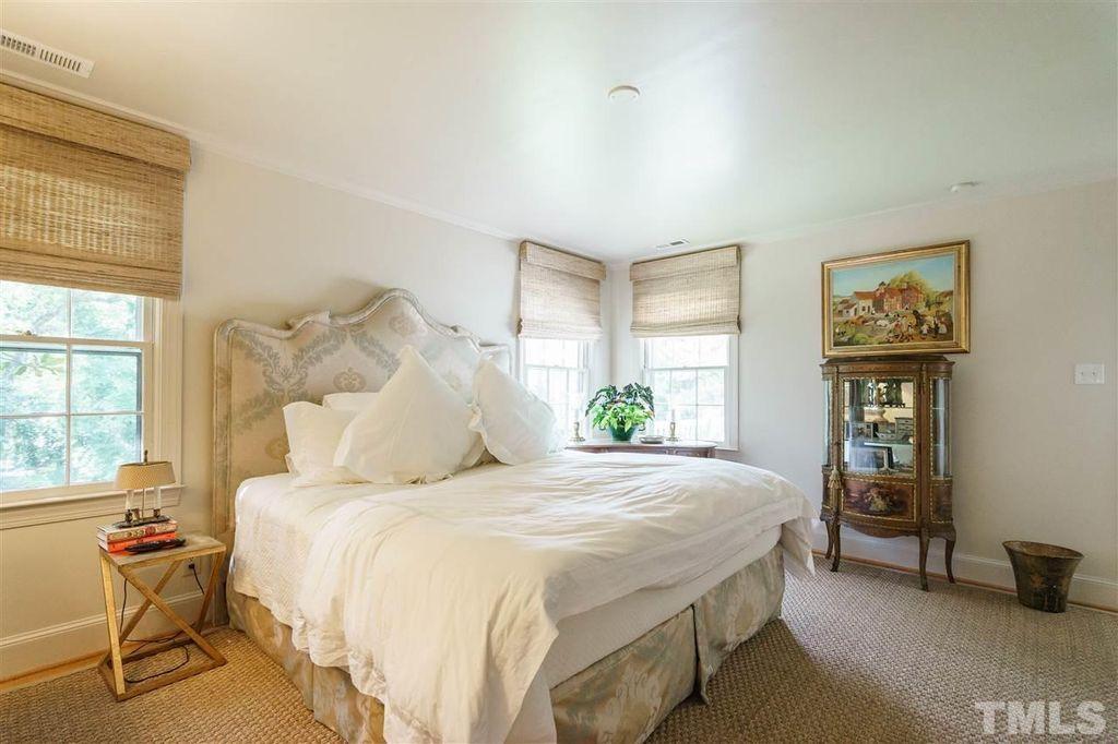 3408 Coleridge Dr Raleigh Nc 27609 Mls 2135224 Zillow Zillow Home Home Decor