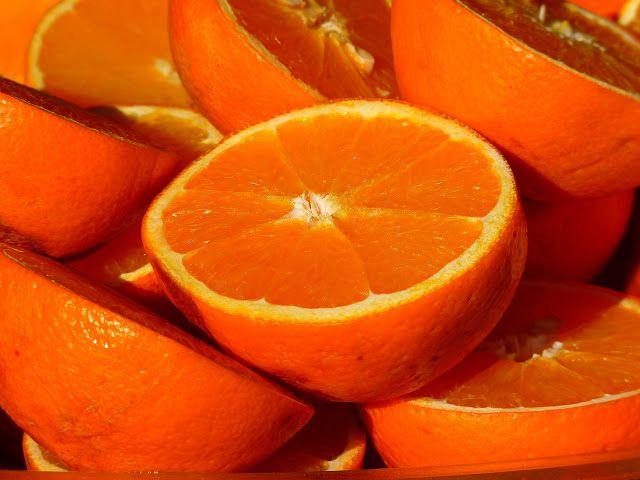 كم عدد السعرات الحرارية في البرتقال وكيف يتم حسابها Sweet Orange Essential Oil Orange Oil Benefits