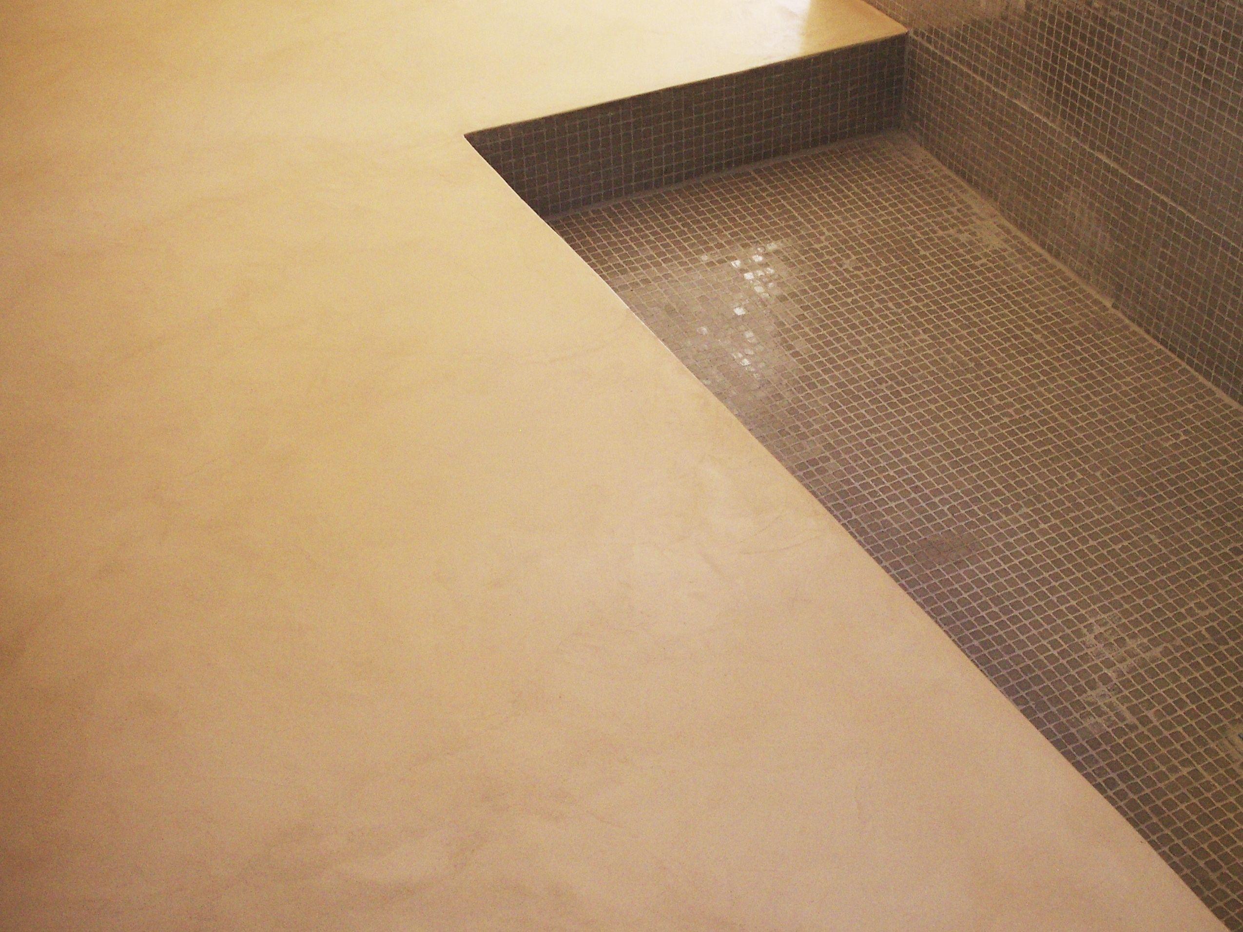 b.cc - sol en béton ciré (couleur atlas/ma's) dans une salle de bain