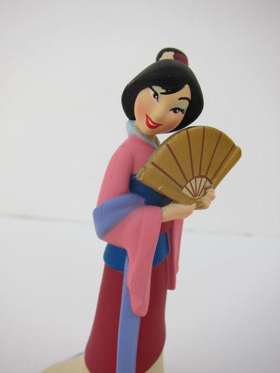 Mulan cake topper
