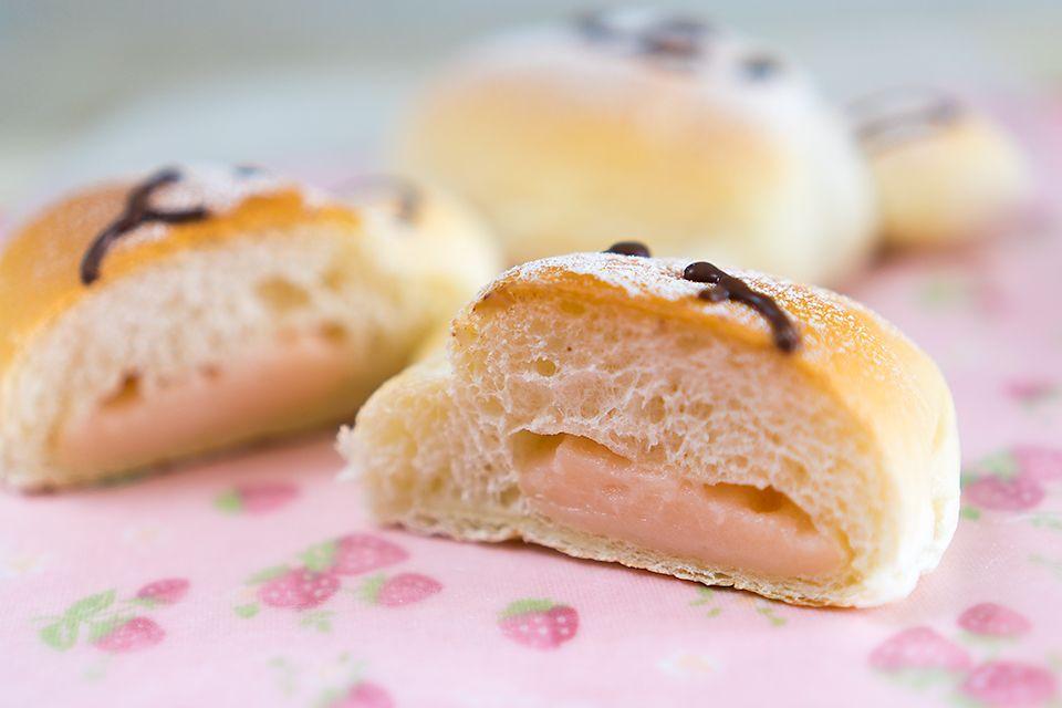 Light pink buns shirotama flour Sakura rose ピンク色の白玉粉なので薄く色がついています。