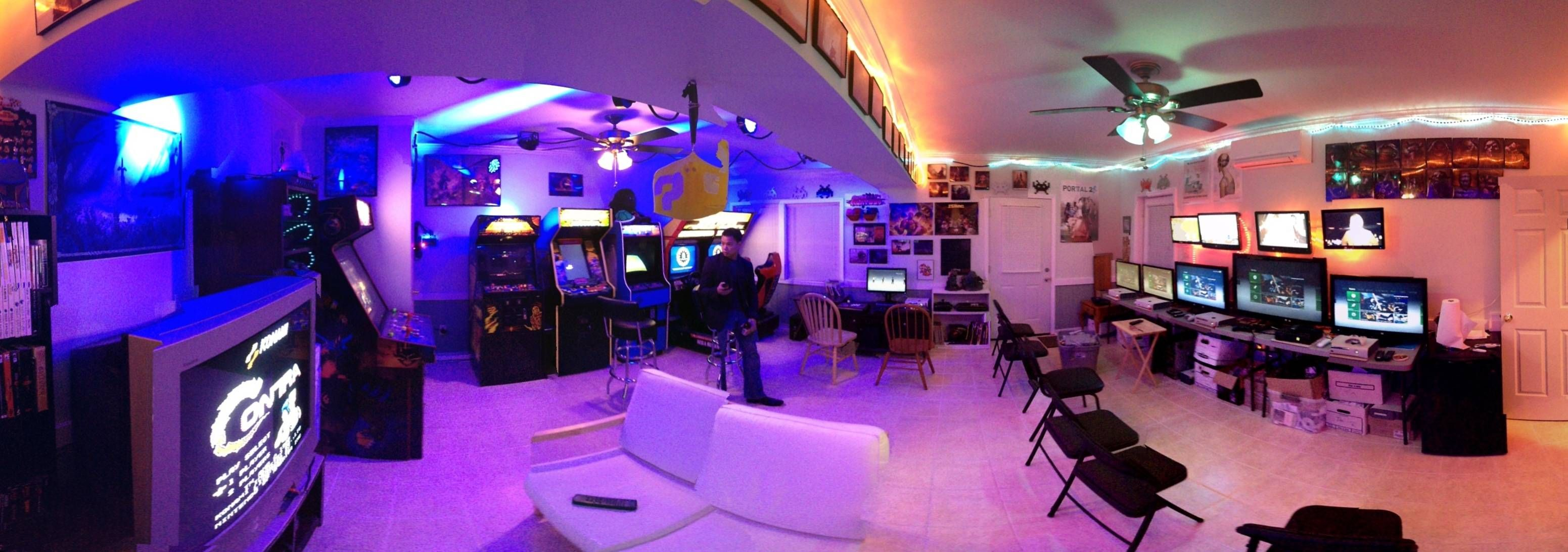 Dream house game room - Find This Pin And More On Gaming Room By Koobeens