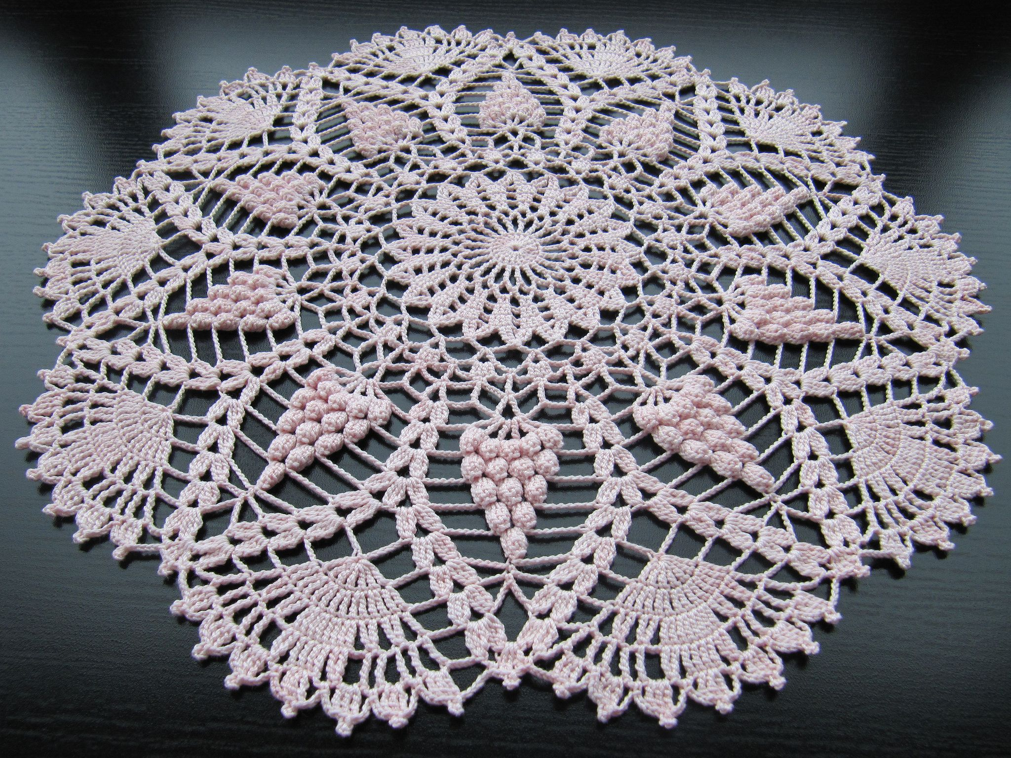 img 5931 crochet lace 3 pinterest h keln tischdeckchen h keln und deckchen. Black Bedroom Furniture Sets. Home Design Ideas