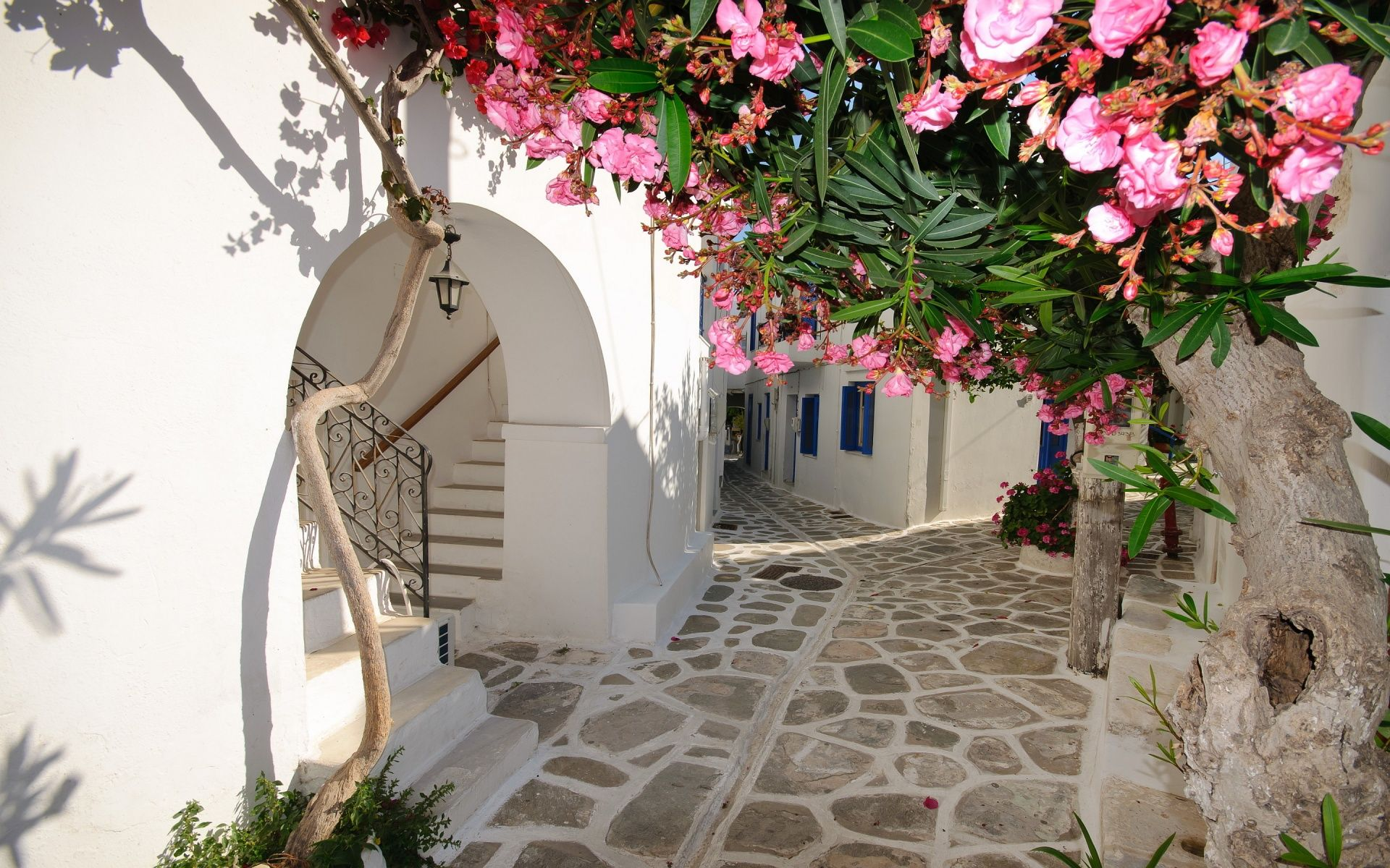 Greece village streets | Piazza's, Courtyards, Streets ...