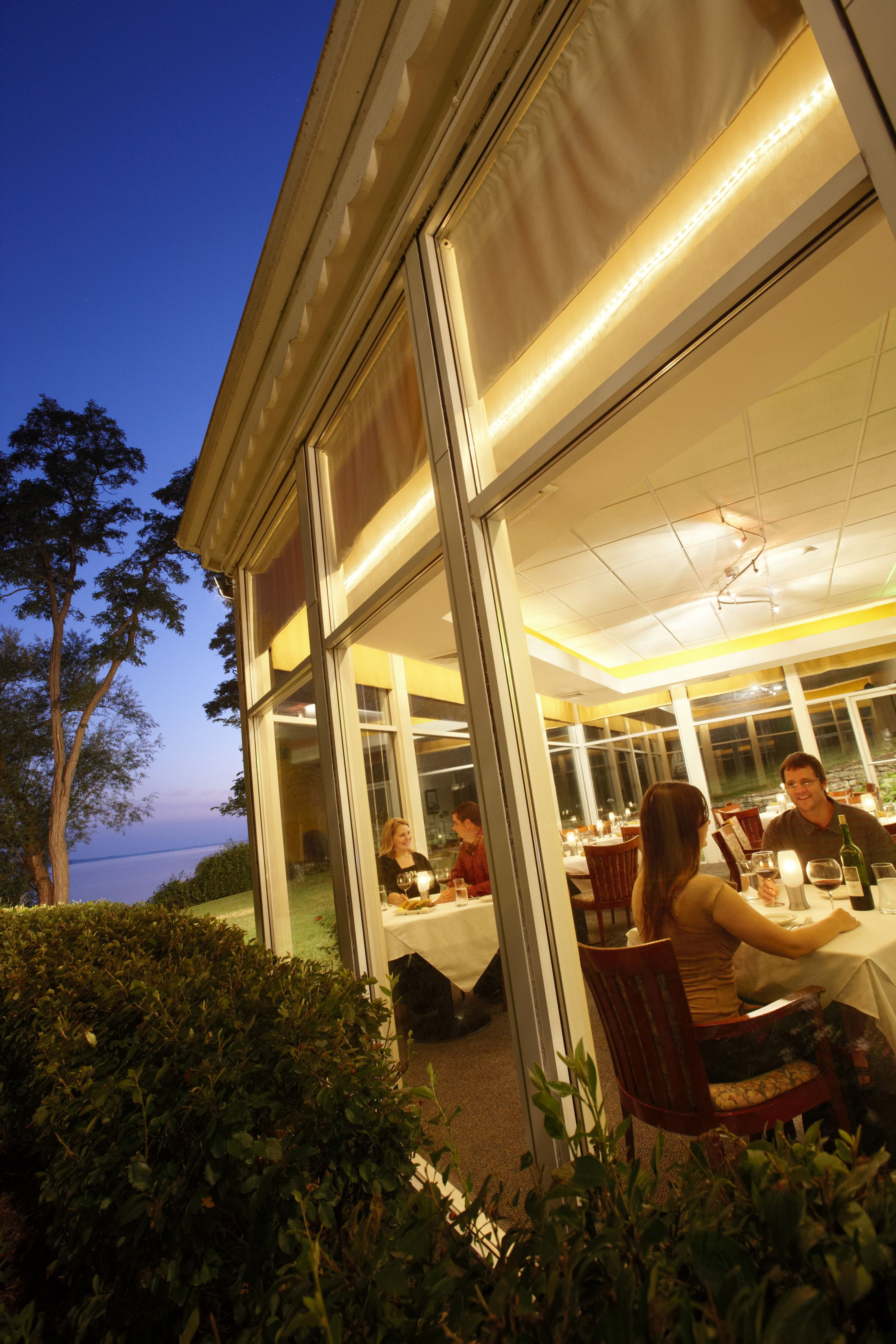 Grey Rock Restaurant In Green Lake Wi Is The Area S Favorite All Occasion With A Lakefront View