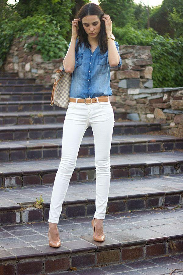 0059498c98 Calça branca e camisa jeans   Inspiração