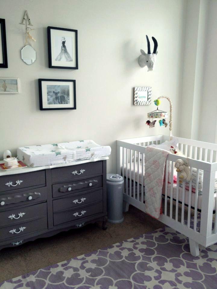 Babyletto Hudson Crib With Madeline Weinrib Platinum Muña Cotton