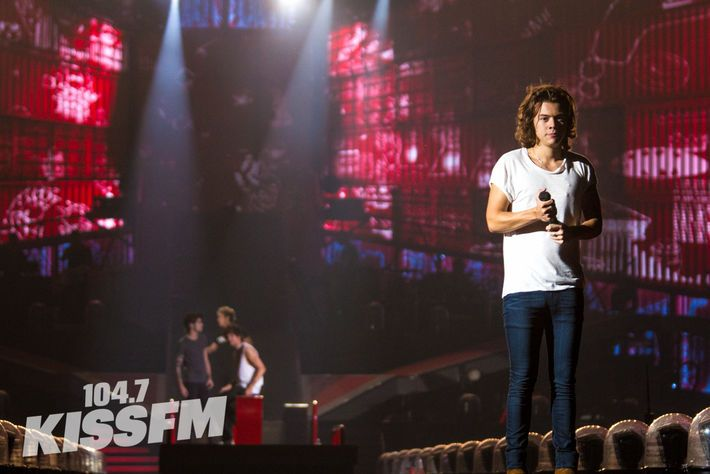 Get One Direction And 5sos Photos Only On 104 7 Kiss Fm