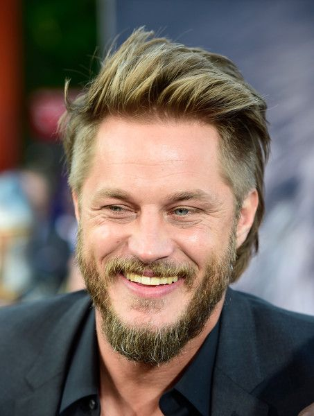 Travis fimmel photos photos premiere of universal pictures 39 39 warcraft 39 arrivals coiffure - Coiffure viking homme ...